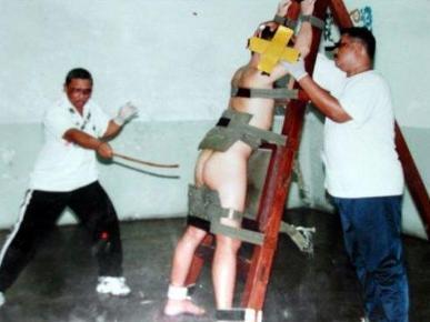 新加坡的肉体刑罚——鞭刑.鞭刑,是目前世界上很少有国家使