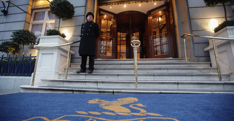 有安防专家认为,大多数酒店都不希望冒着失去顾客的风险进行安防检查