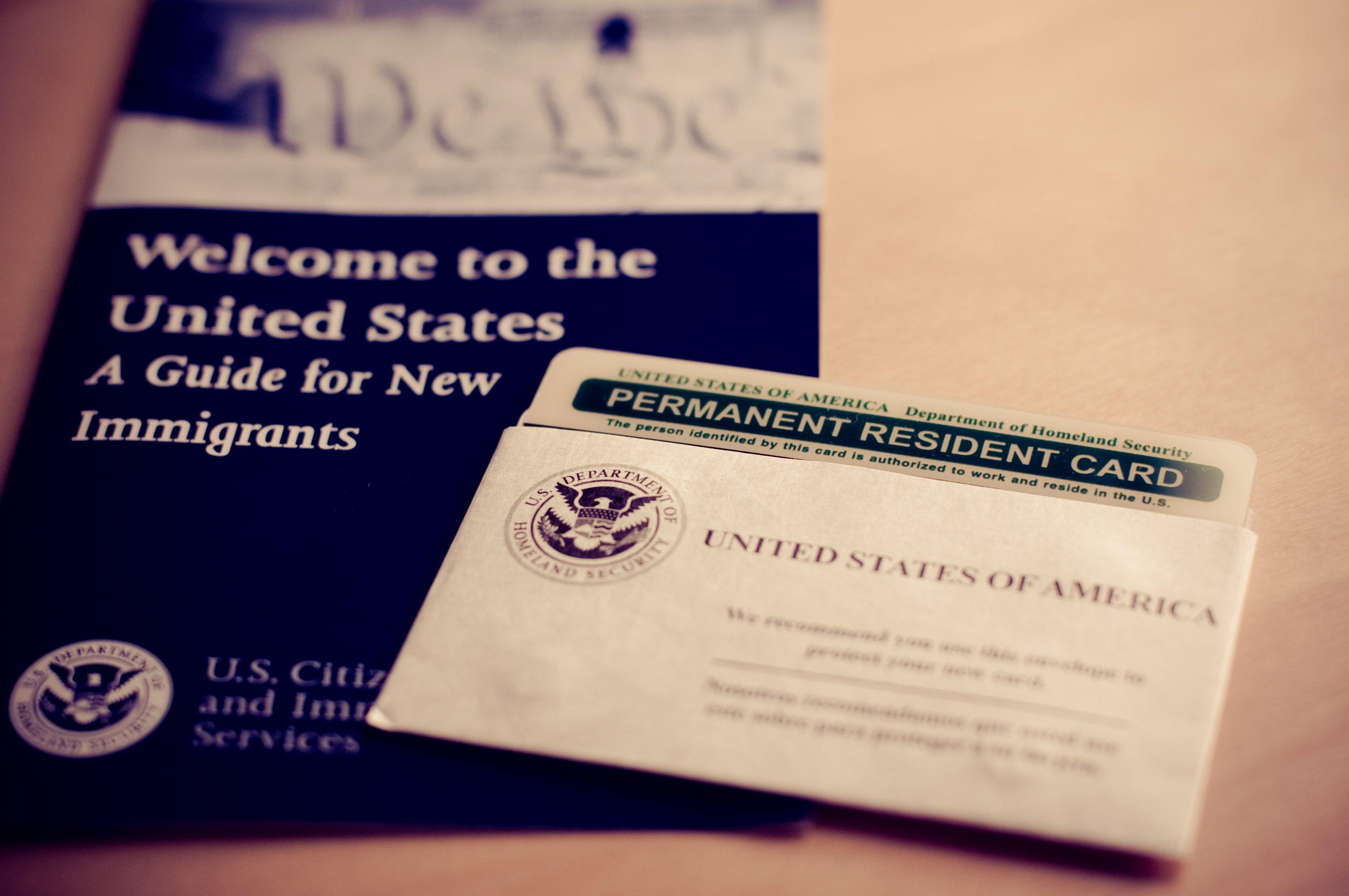 特朗普政府或即将限制给美国公民和永久居民的配偶和未成年子女发放绿卡