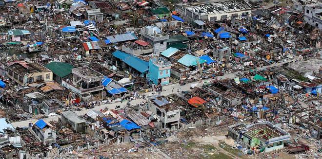 """""""海燕""""过后菲律宾的惨状"""