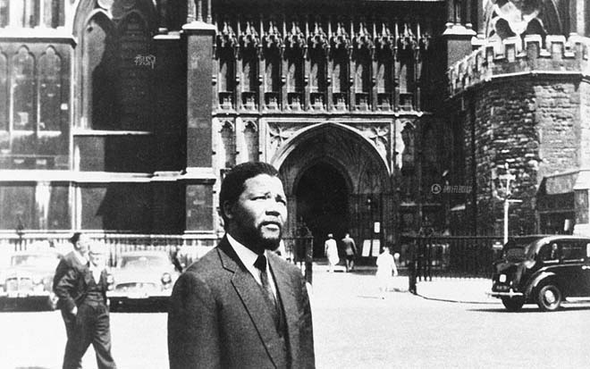 1961年,英国伦敦,曼德拉(图片来自腾讯视界)