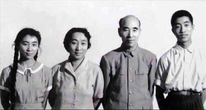 """叶群为何咒骂林彪是""""僵尸""""?_腾讯网 - 自由百姓 - 我的博客"""