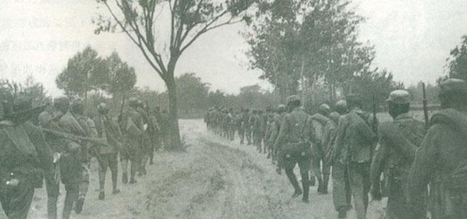 台儿庄大捷后,军委会调集部队增援徐州,这是开向徐州的增援部队。