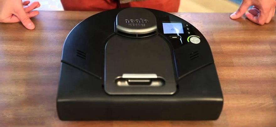 一头方一头圆的扫地机器人:Neato XV Signature Pro