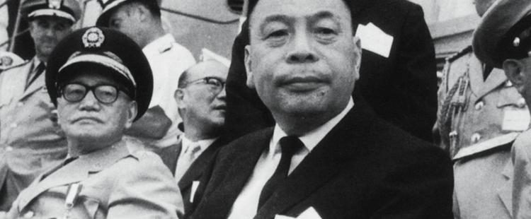 蒋介石拿谁向斯大林换回儿子 - 我不愿被代表 - 我不愿被代表