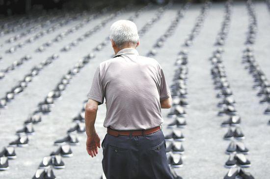 正在老去乃至离去的中国劳工等不起