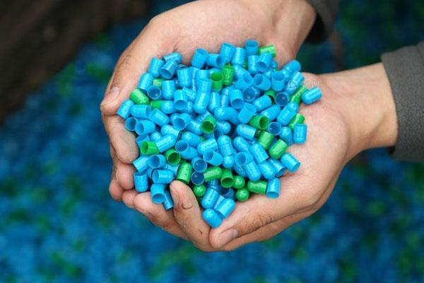 """2012年曝光的""""皮革胶囊""""就涉及多种基本药物"""