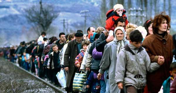 人道主义危机中逃离家园的科索沃人