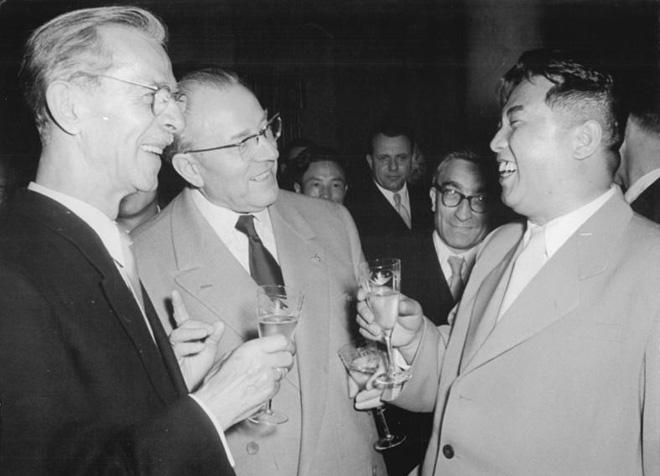 1956年,金日成访问东德寻求经济援助
