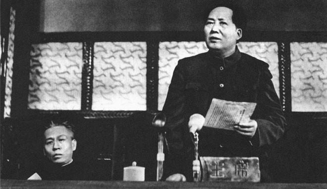 1953年1月13日,毛泽东、刘少奇在中央人民政府委员会第二十次会议上