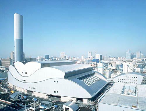 日本东京某垃圾焚烧厂就在市区