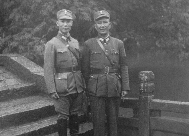 1943年,陈诚(左)与桂系领袖白崇禧合影