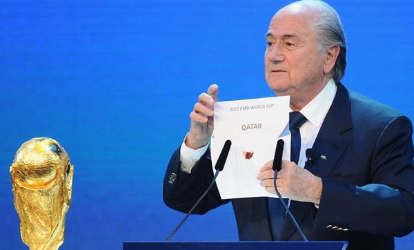 2010年布拉特宣布卡塔尔获得2022年世界杯主办权