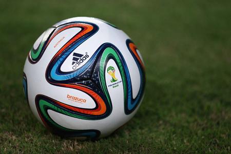 巴西世界杯官方用球――桑巴荣耀