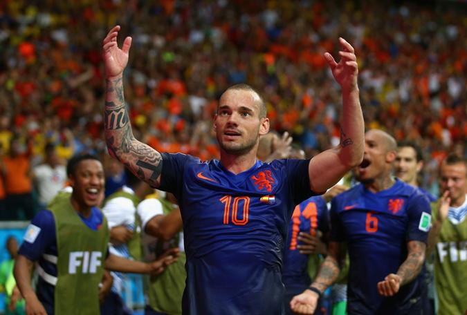 本届荷兰队星光黯淡,队内核心斯内德效力于土超