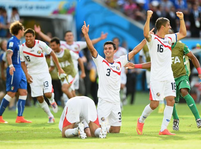 美洲球队异军突起,哥斯达黎加连克乌拉圭意大利小组第一出线