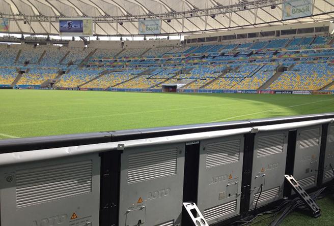 """奥拓经过了FIFA的百般""""刁难"""",凭实力把自己的LED屏幕带到巴西赛场"""
