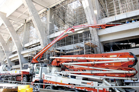 三一重工参加马拉卡纳球场的重建工作