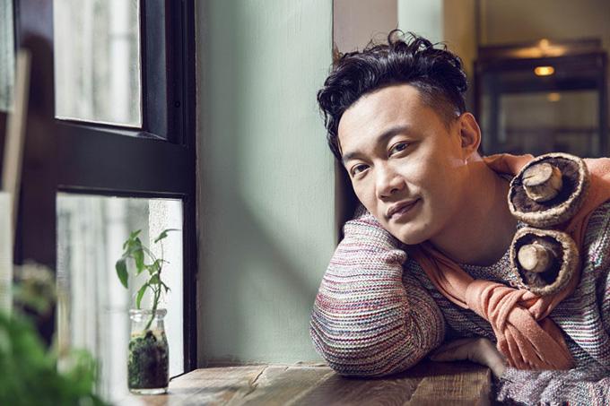 陈奕迅在接受《悦食Epicure》访问时表示谢霆锋是他好友里最会做菜的。