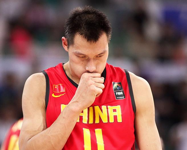 """男篮""""一哥""""易建联与国家队达成默契,放弃参加仁川亚运会"""