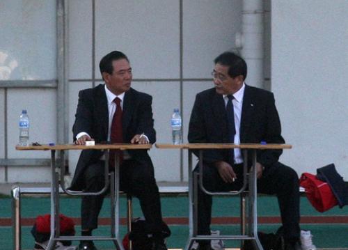 2013年韦迪(右)调任汽摩中心主任