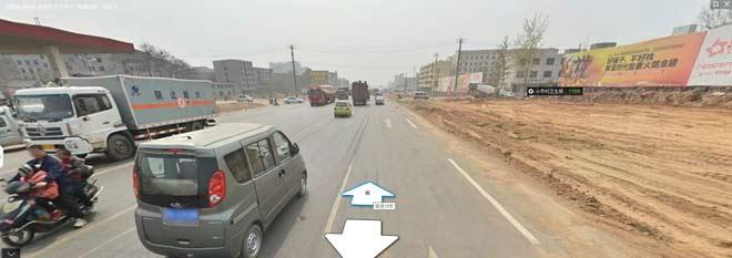 """通过""""腾讯街景""""可以看到当地的开发与荒凉(点击图片进入腾讯街景查看当地环境)"""