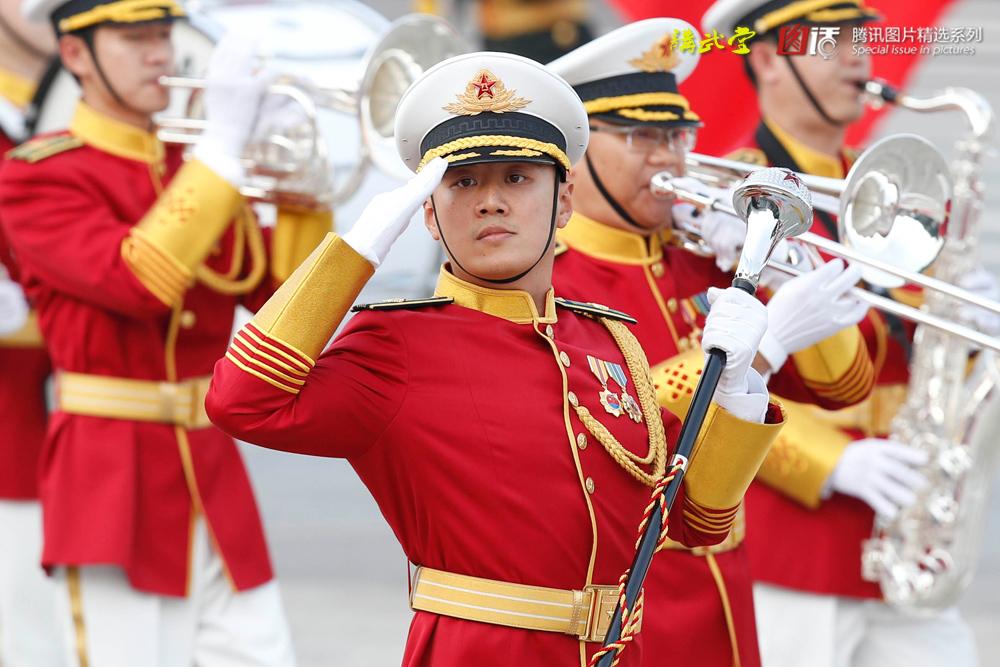 中国人民解放军军乐团新式礼服亮相