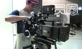 KAFA的学生正在调试机器准备拍摄