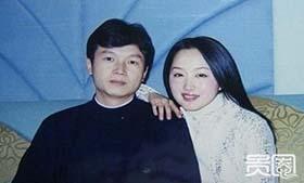 说到杨钰莹,很难不提她与赖文峰的一段情