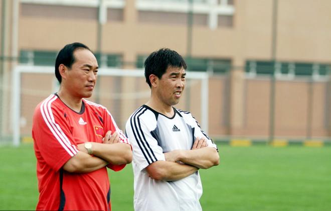 陆俊跟张建强(左)是北体校友,但在学校时两人并不熟悉