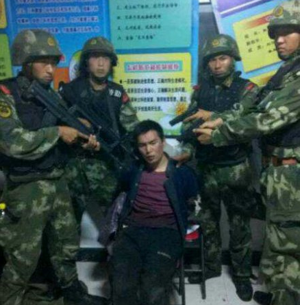 其中一名越狱犯李海伟已经被警方擒获