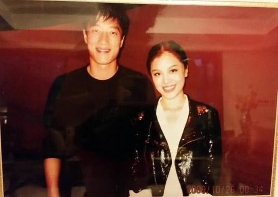 这张合影是刘翔和葛天第一次见面时拍下的,因此格外有意义
