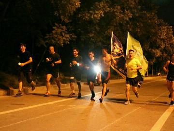 椒江夜跑团之市民广场5公里复苏跑10-2