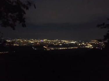 赏金陵美景,夜登紫金山露营腐败
