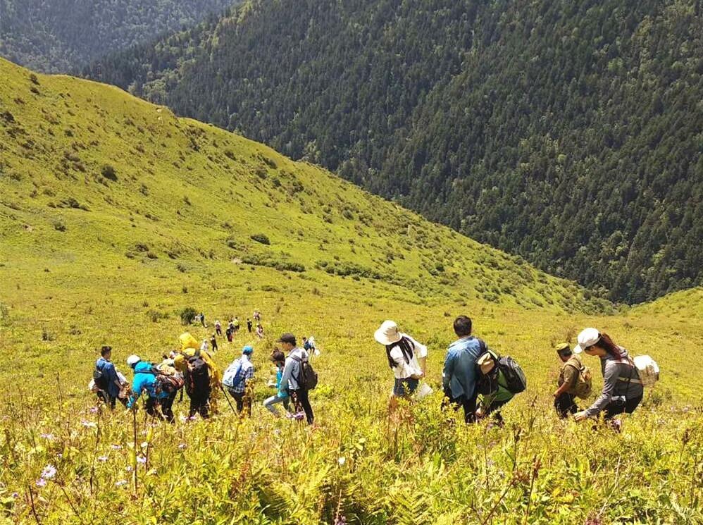 周六徒步 巴朗山穿越邓生沟1日游
