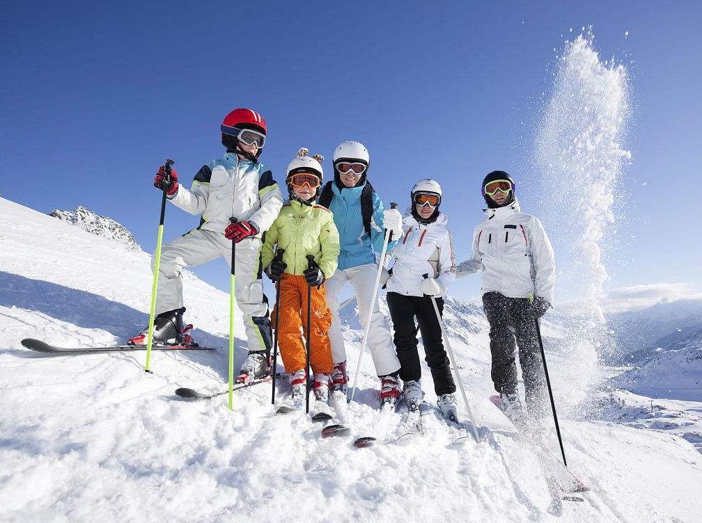 九顶山滑雪1日游 每天发团