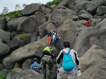 5月6号周六梅岭红星石头山攀爬速降一日游