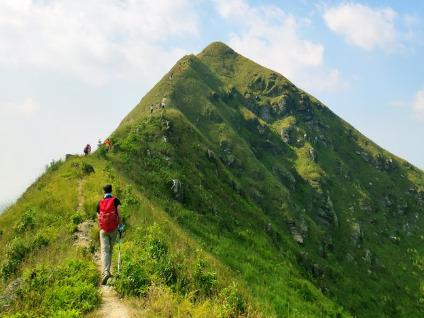 6月23周日徒步莫六公山高山草原峰林全景