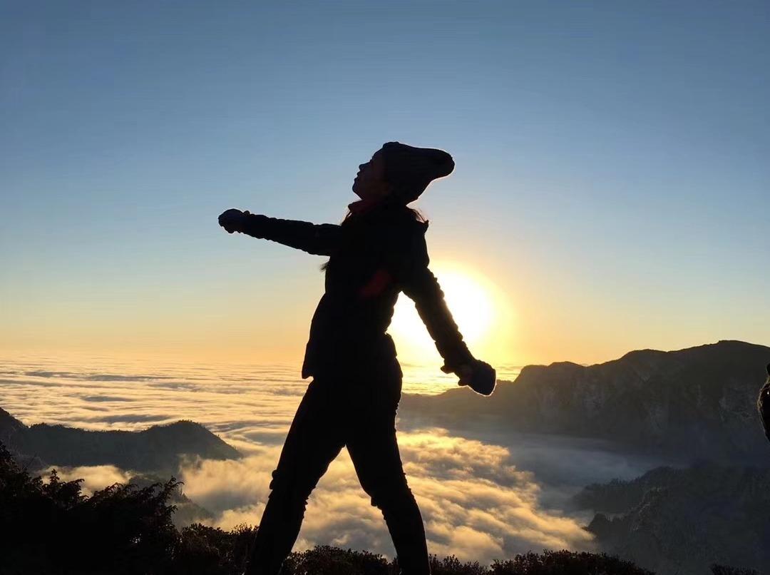 华尖山 徒步、雪山星空、日出云海