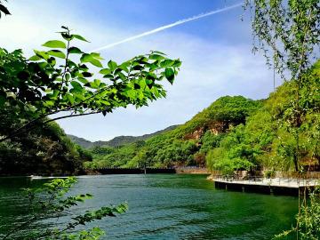 京东大峡谷万丈崖玻璃栈道,龙门湖一日游