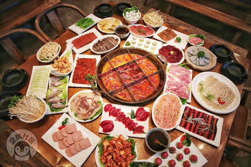 新开业的星级环境火锅店 优惠爆多 还有霸道的老重庆锅底和菜品