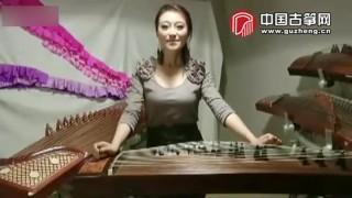 看美女演奏家如何同时玩转四台筝