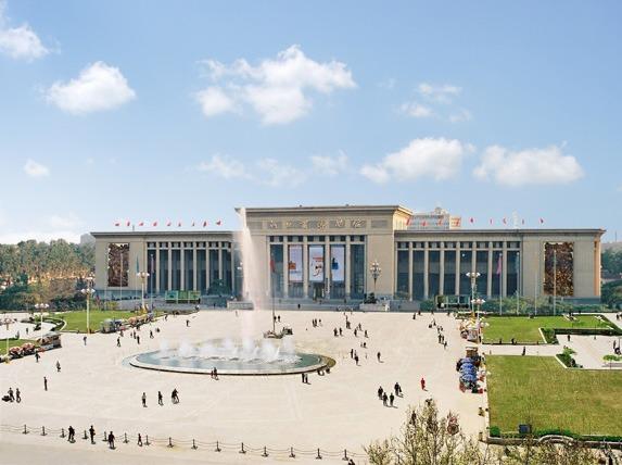 中国群团——参观河北博物院