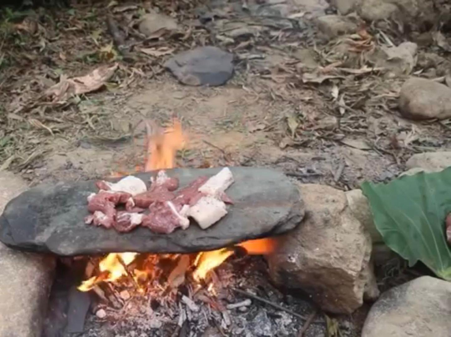 从化溪边野炊-石板烤肉泡溪水