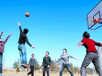 武汉东湖学院篮球娱乐活动