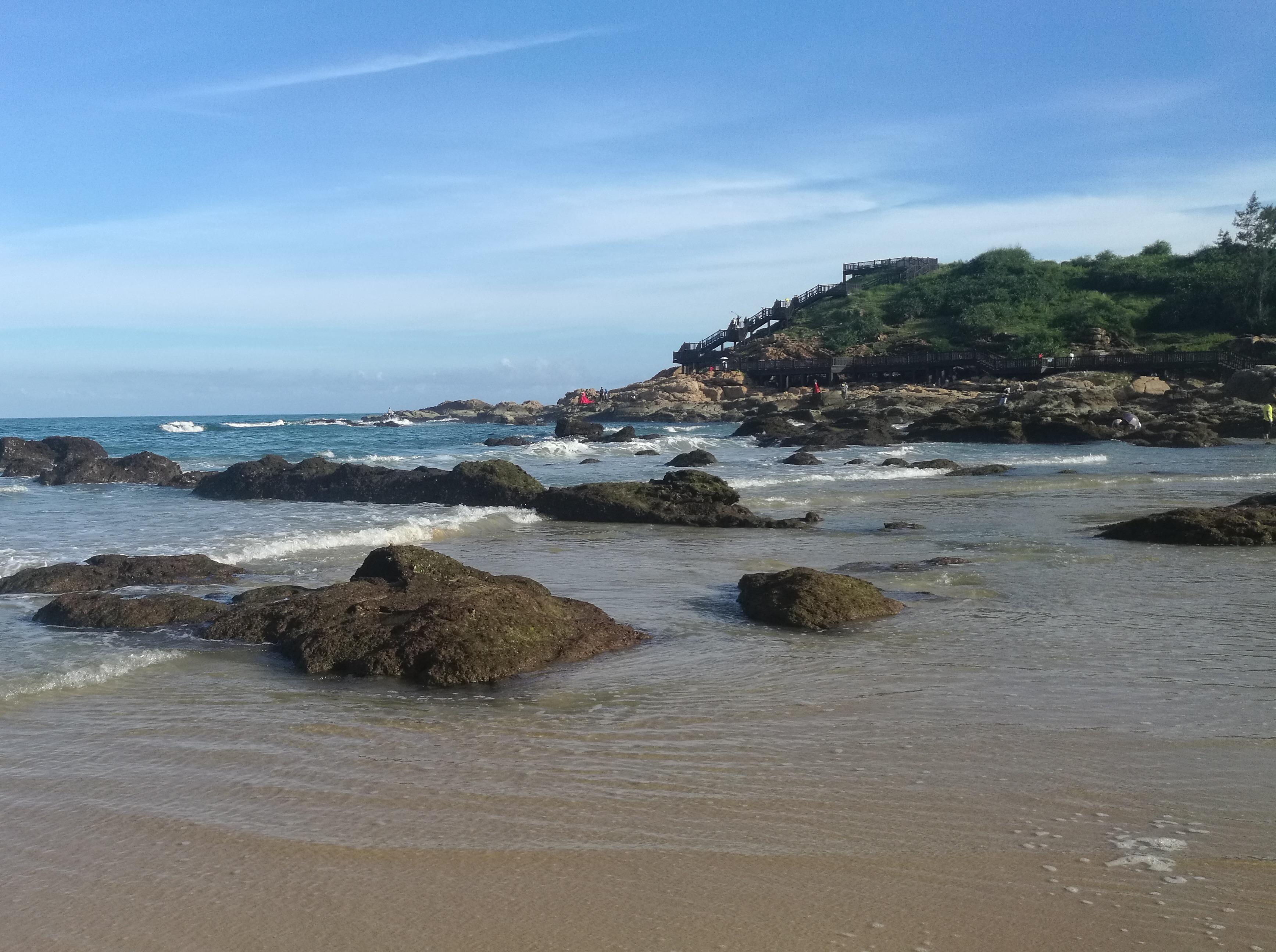 陵水清水湾礁石钓鱼