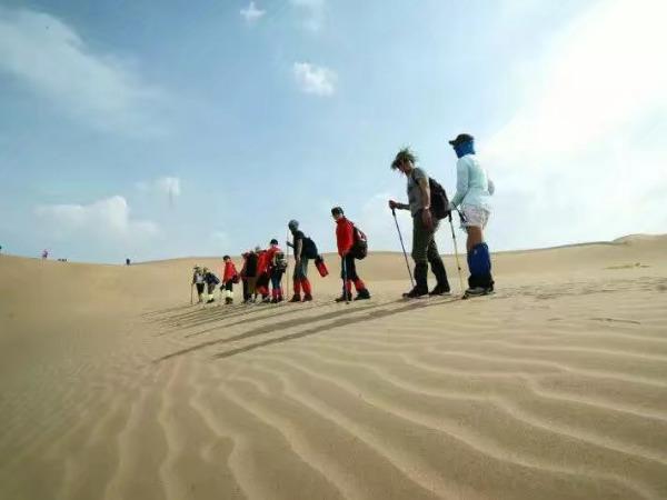 五一劳动节内蒙古库布齐沙漠穿越露营<br>