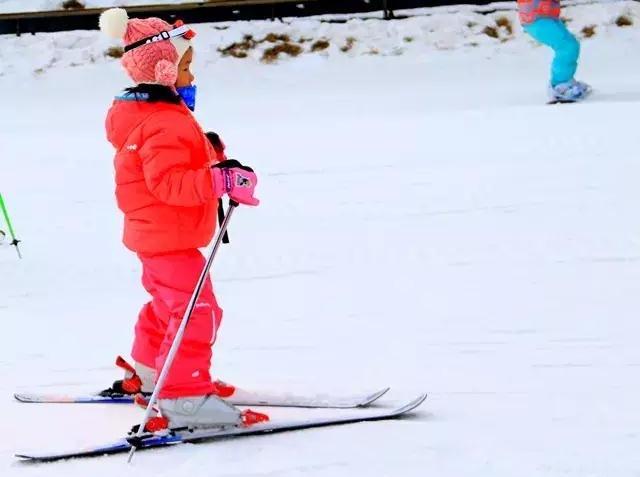 首滑99元,莲花山滑雪,新手免费指导教学