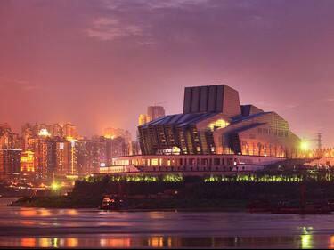穿越千厮门,夜游大剧院,赏渝中魔幻夜景