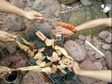 星期天《户外烧烤活动,欢迎参加》